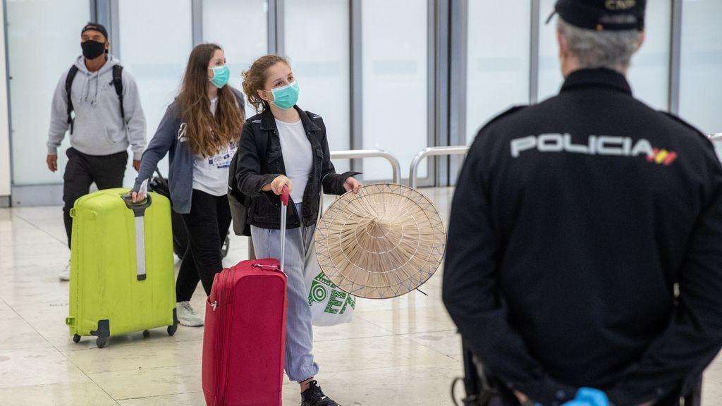 Recomendaciones para viajar al extranjero tras la apertura de fronteras: llevar termómetro y tener un seguro médico, entre otras