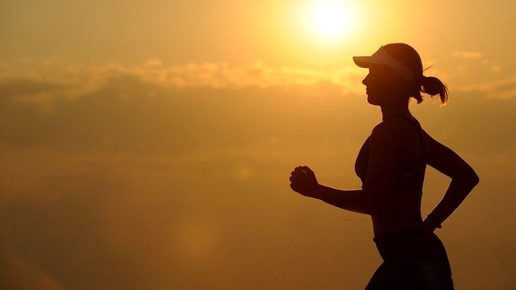 ¿Running nocturno? Cómo correr de noche de manera segura