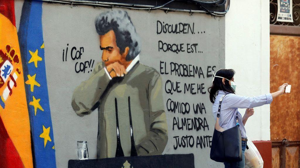 Fernando Simón, protagonista de un grafiti en Valencia