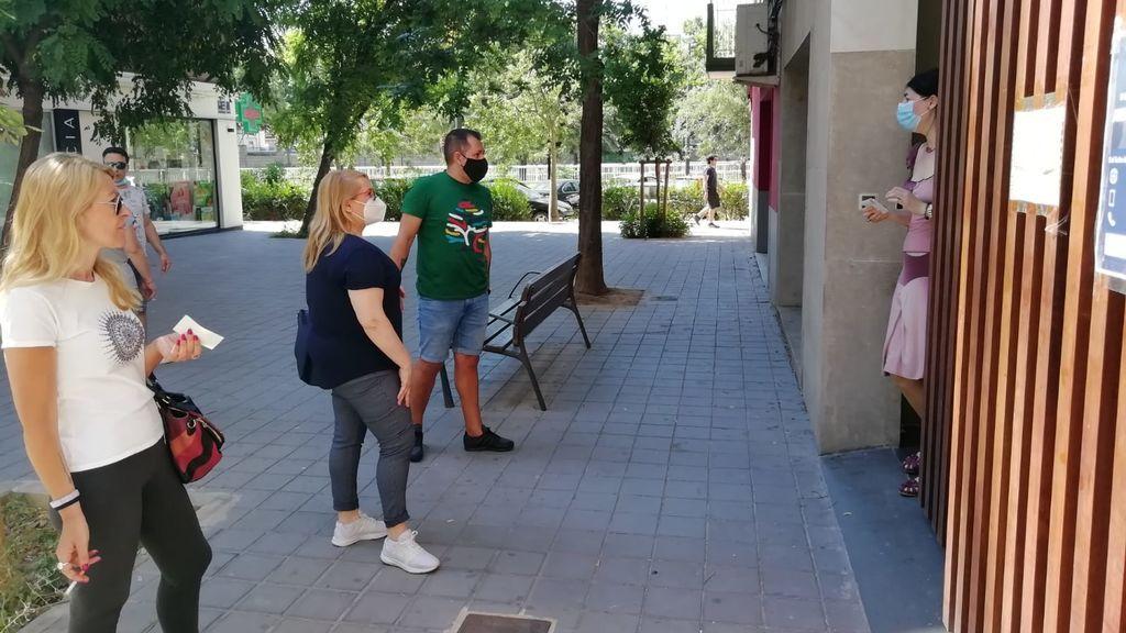 Vanessa, Álvaro, María José: Historias desesperadas en la cola del SEPE