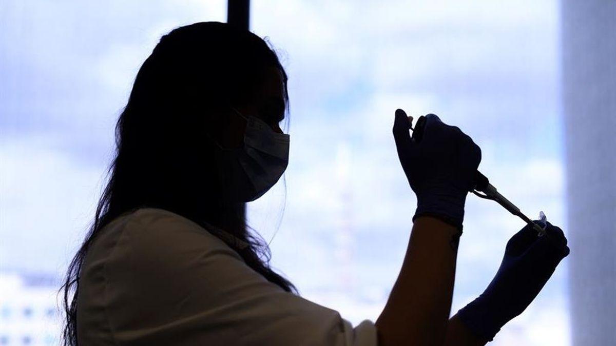 El Ministerio de Sanidad ha contabilizado este lunes 25 fallecidos con coronavirus en siete díasmos 7 días; y 124.642 han precisado hospitalización, 94 en la última semana.