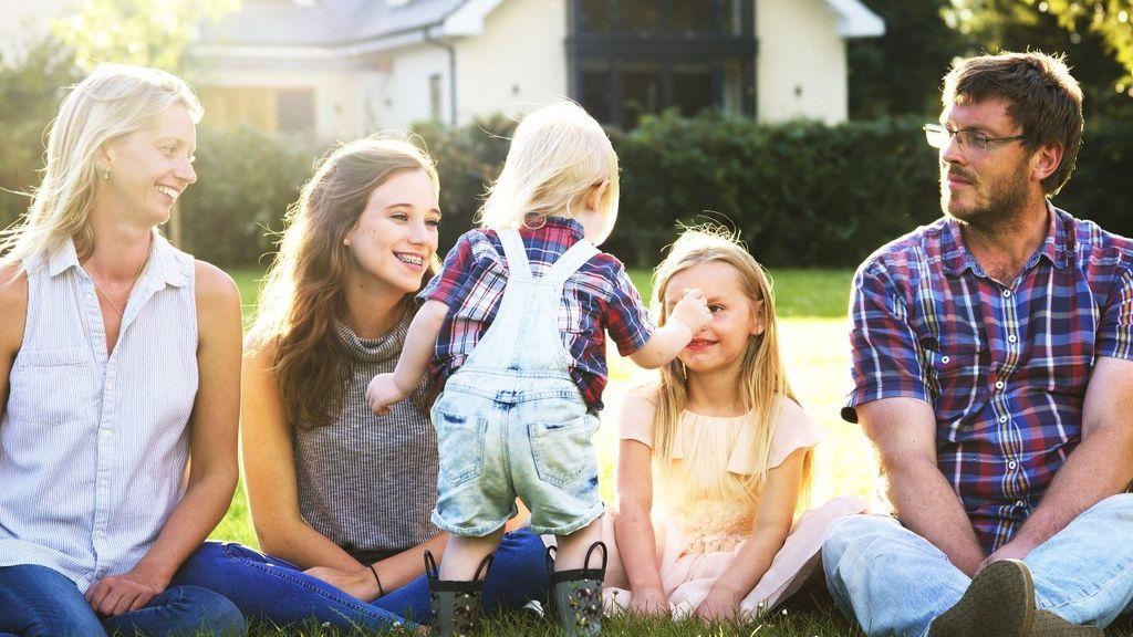 Además, te ayudará con el cuidado de los niños y las tareas del hogar.