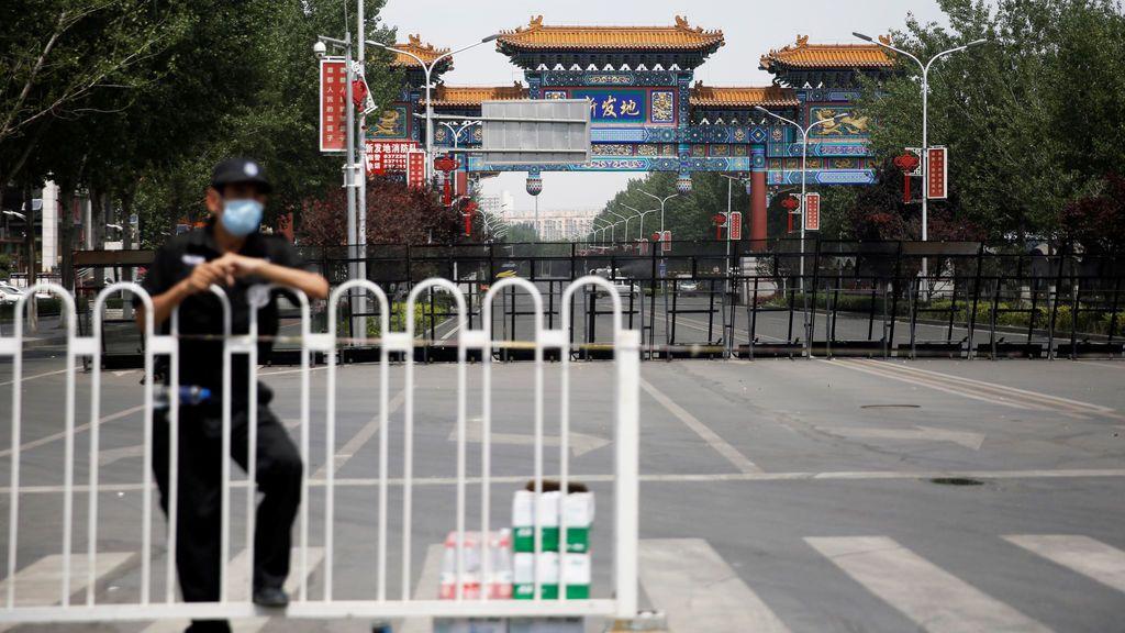 """Pekín advierte de que los próximos tres días son """"cruciales"""" para controlar el rebrote en un mercado"""
