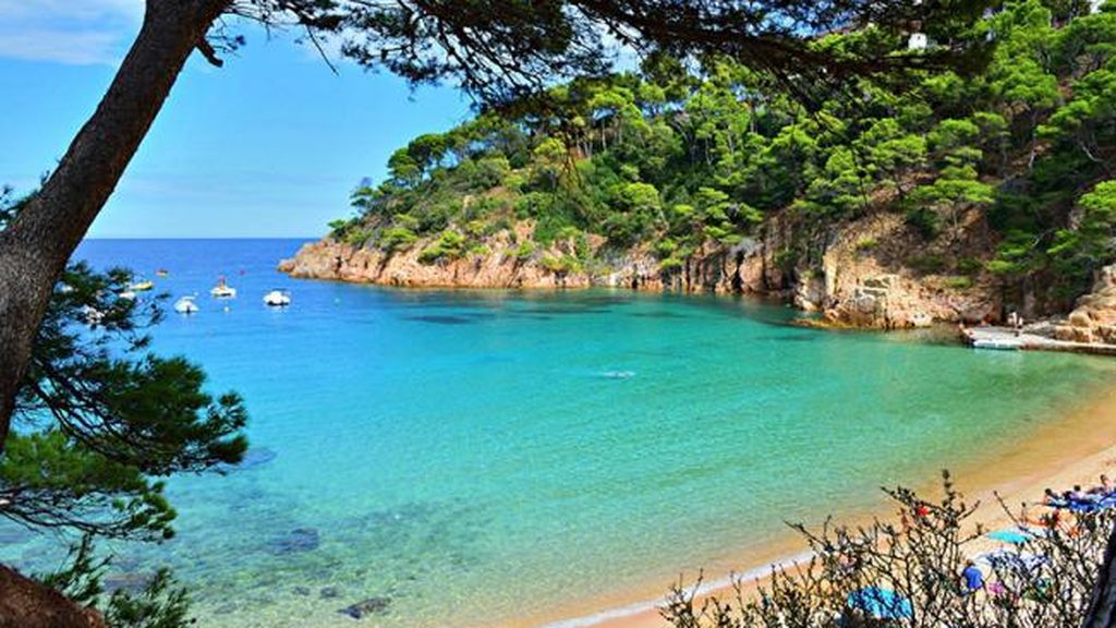 La costa brava será uno de los mejores rincones para los amantes de la playa.