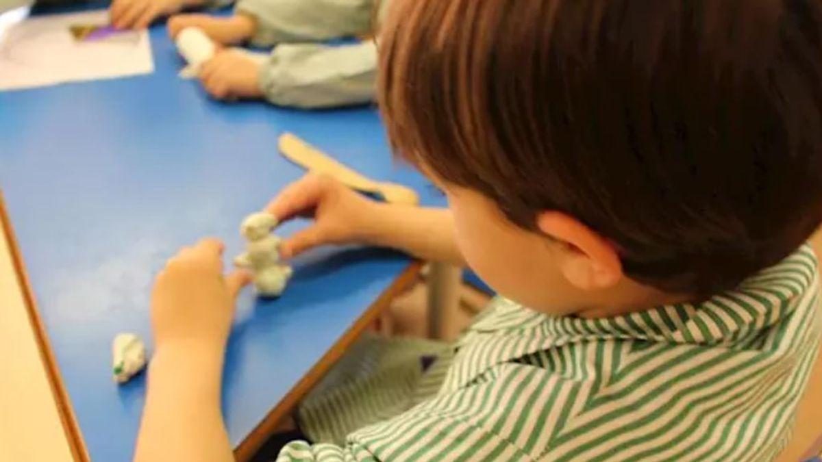 El peligro en las aulas: 20 niños pueden contagiar a 800 personas en dos días de clase