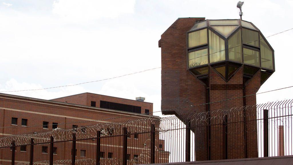 Los casos de coronavirus se disparan en las cárceles estadounidenses