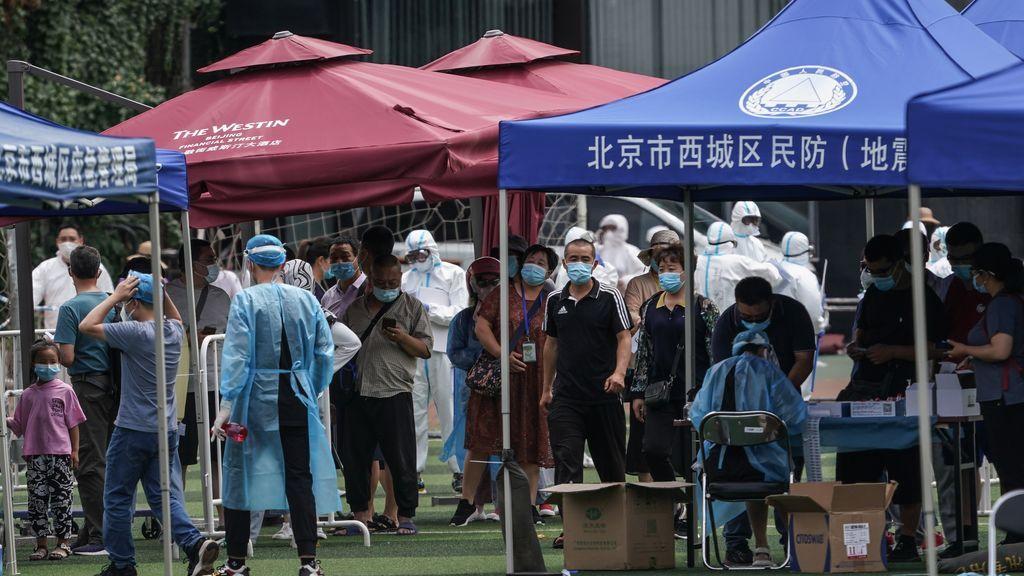 Ciudadanos que estuvieron en el mercado tienen que hacerse una prueba de coronavirus