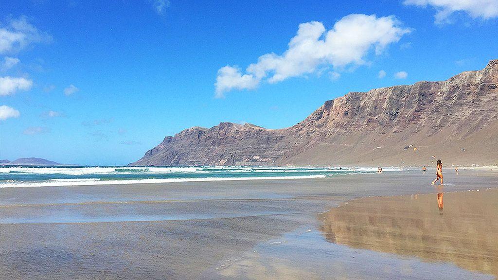 La playa de Famara, en Lanzarote.