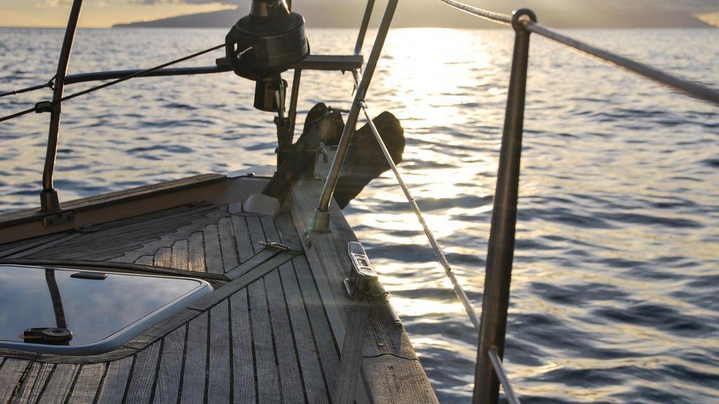 boat-deck-leisure-ocean-238367