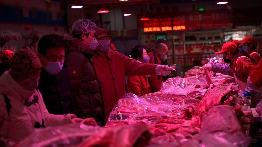 El interior del mercado, situado en el suroeste de Pekín