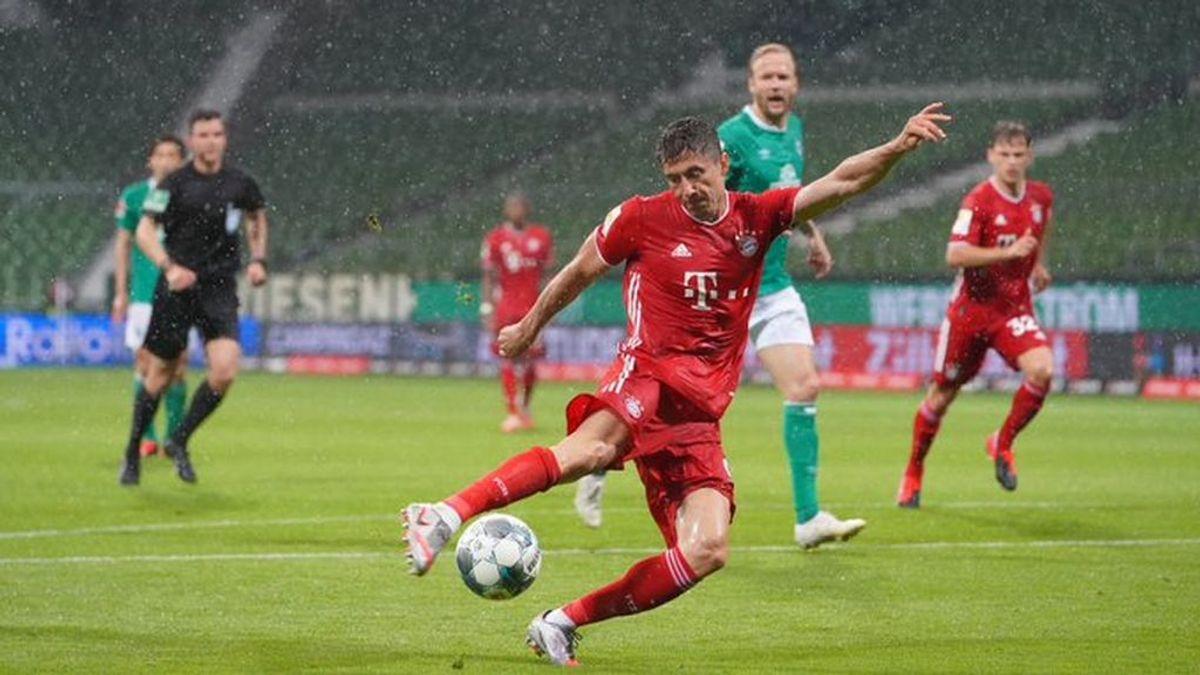Momento del partido entre Werder Bremen y Bayern Munich