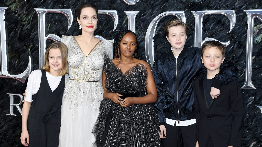 Angelina Jolie junto a su familia
