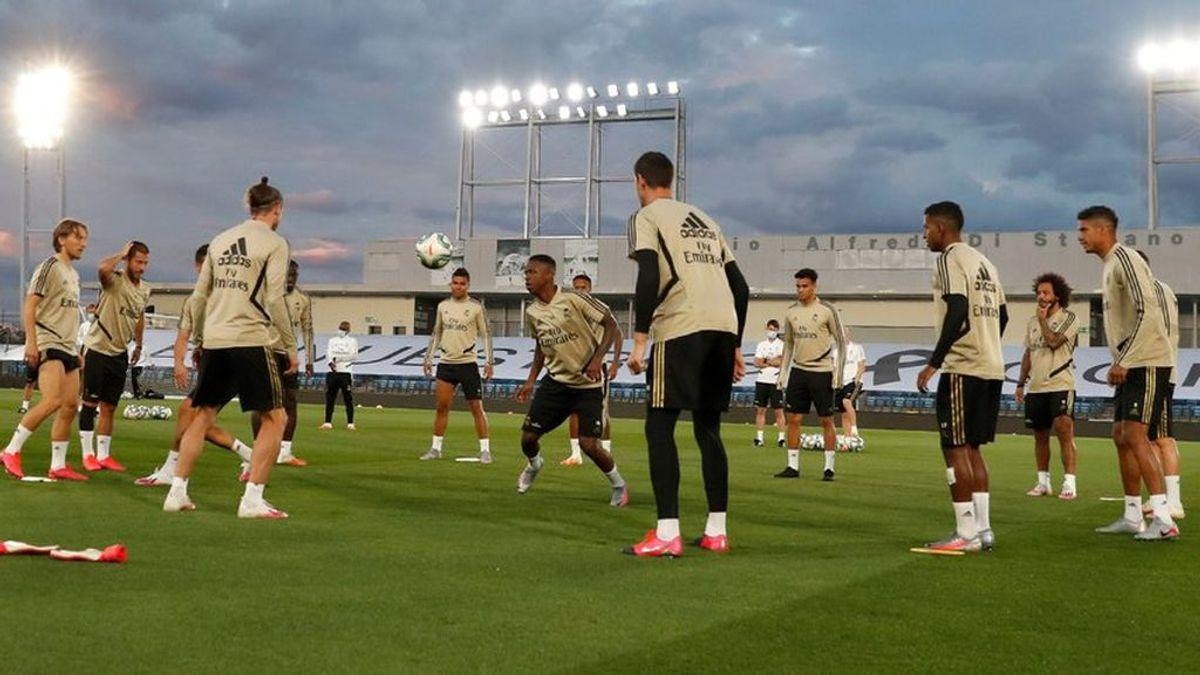 """El Real Madrid entrena de noche para que los jugadores se acostumbren a la oscuridad y las luces de Valdebebas: """"Es un tema importante"""""""