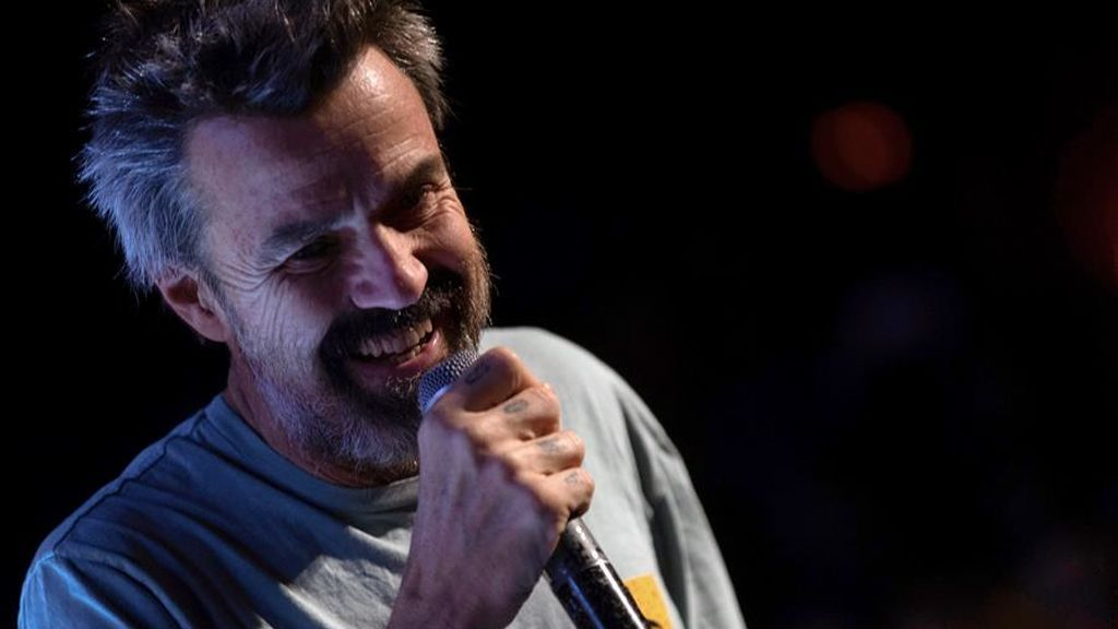 Pau Donés vuelve a encabezar la lista de éxitos con 'Eso que tú me das'