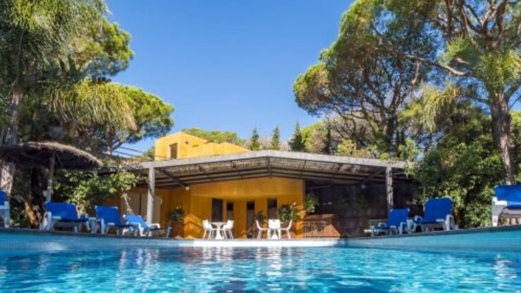 El miedo a las aglomeraciones dispara la reserva de chalés con piscina para las vacaciones