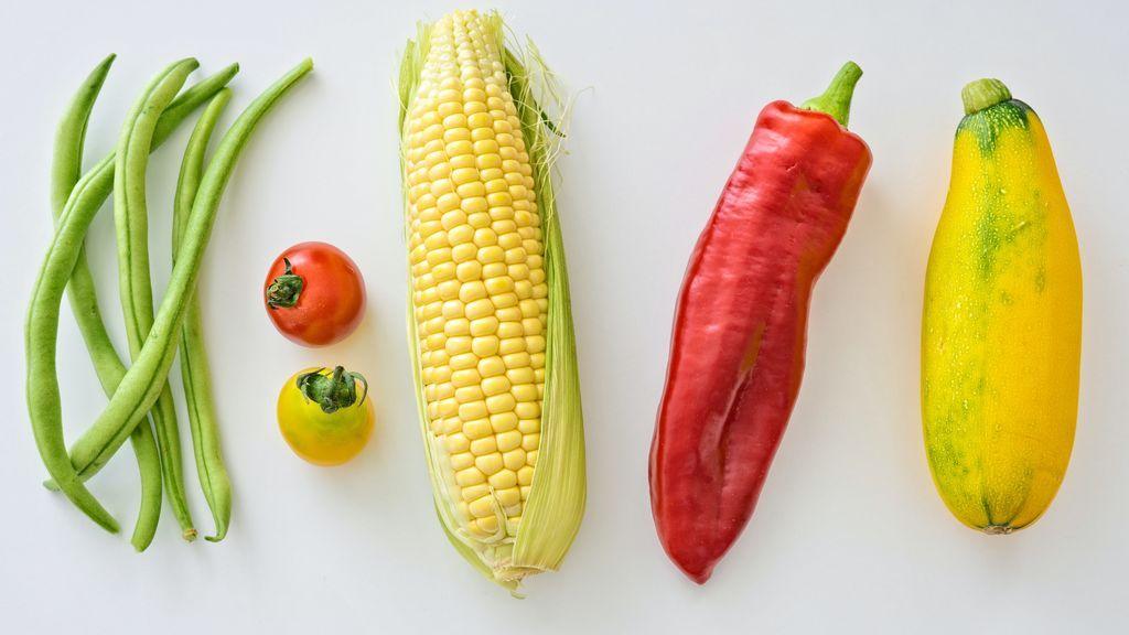 Las frutas y verduras se sitúan en la base de la pirámide