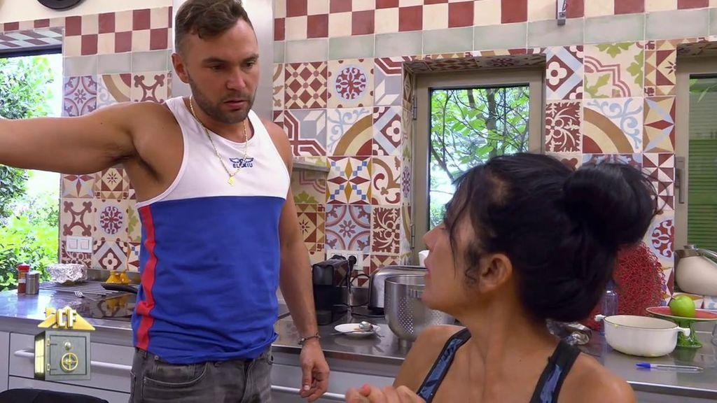 """Maite vuelve loco a su hijo Cristian contando a la casa que le gusta Yola: """"Menuda pedrada tiene"""""""