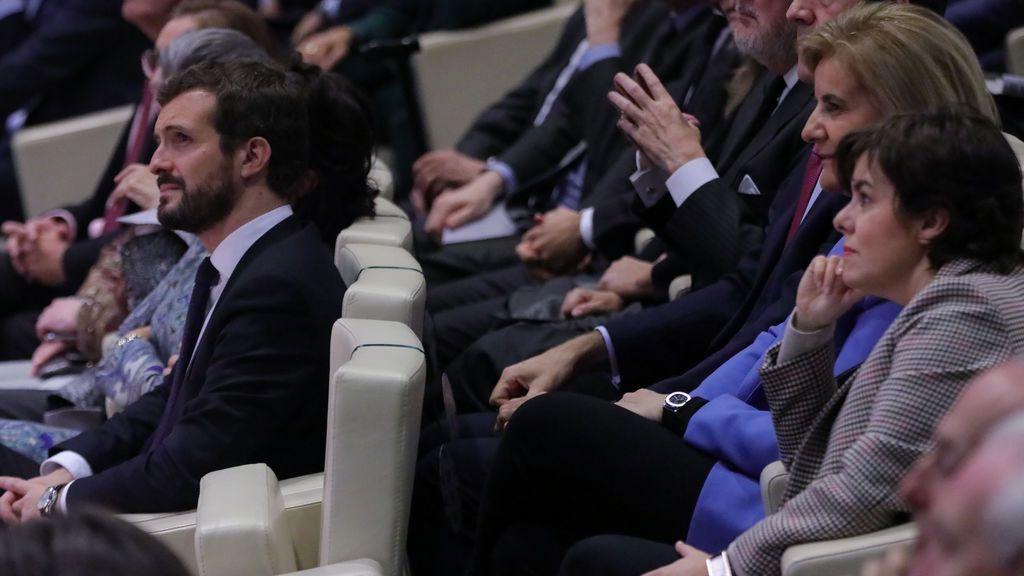 """Soraya Sáenz de Santamaría reaparece para reclamar """"diálogo profundo y moderación"""""""