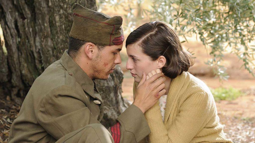 Mario Casas y María Valverde se conocieron en el rodaje de 'La Mula'.