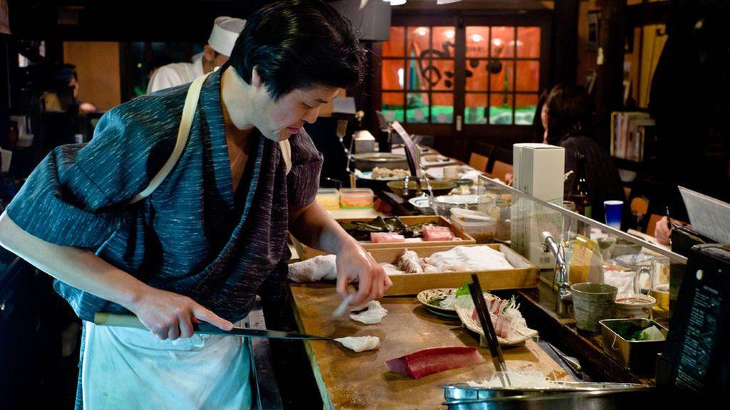 Un maestro del sushi da consejos para hacerlo en casa