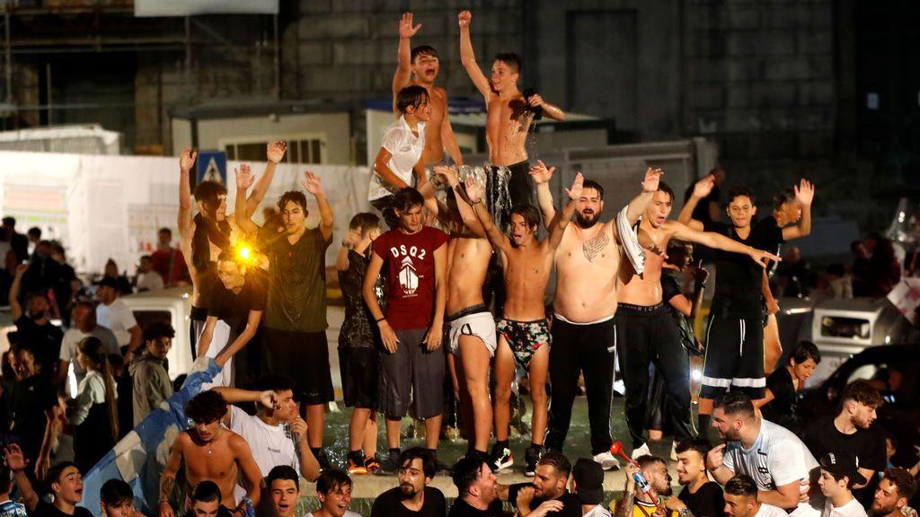 Italia vuelve al punto de mira: del escándalo en Nápoles al repunte y la subida de pacientes en UCI