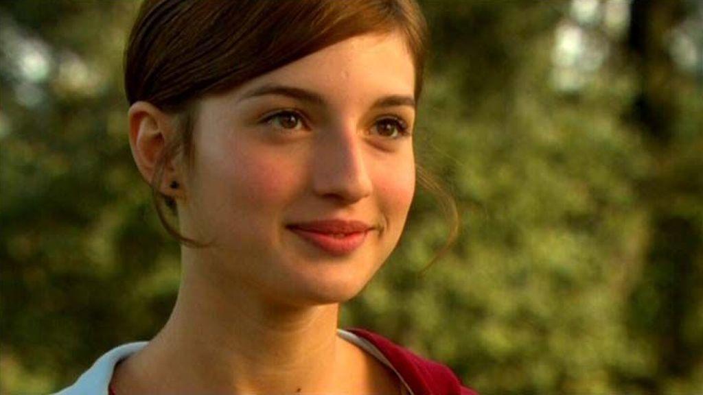 A los 16 años ganó el premio Goya a Mejor actriz revolución por 'La flaqueza del Bolchevique'.