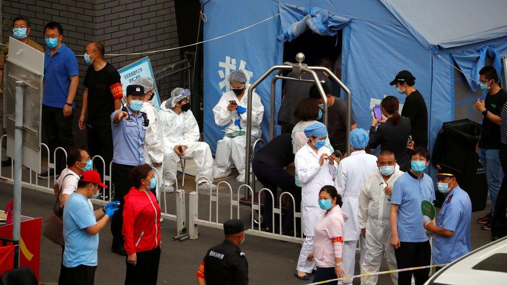 El jefe de epidemiología de China asegura que el brote de Pekín ya está controlado