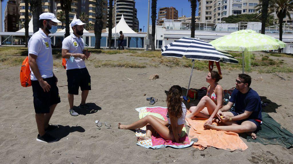 La lucha contra la pandemia de coronavirus se traslada a las playas: claves para lograr pisar la arena este verano