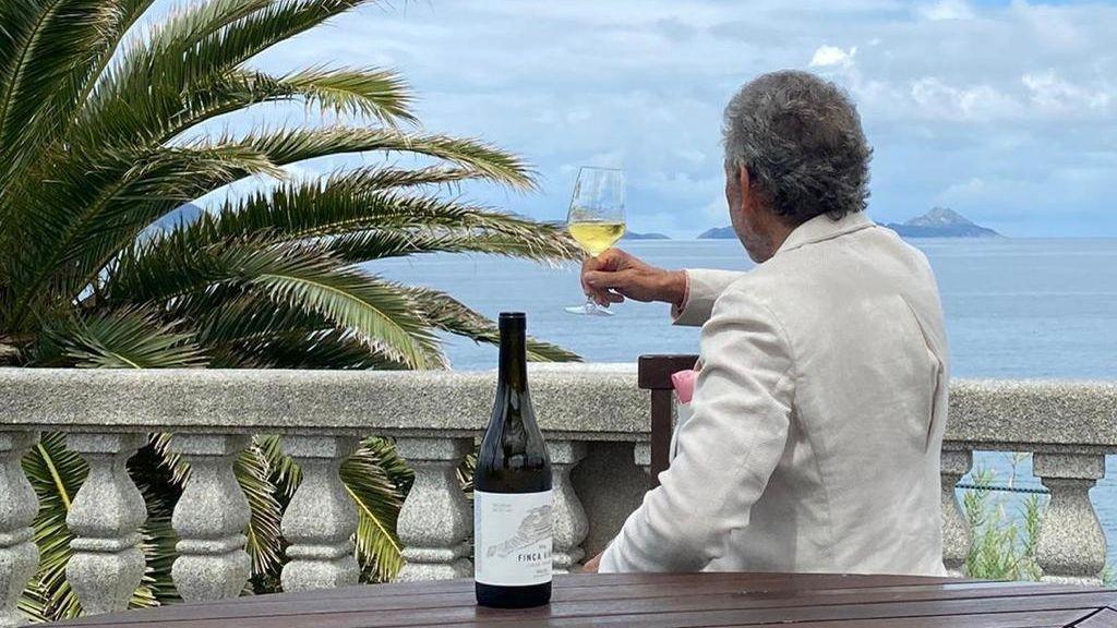 Mouriño brinda frente a las islas Cíes