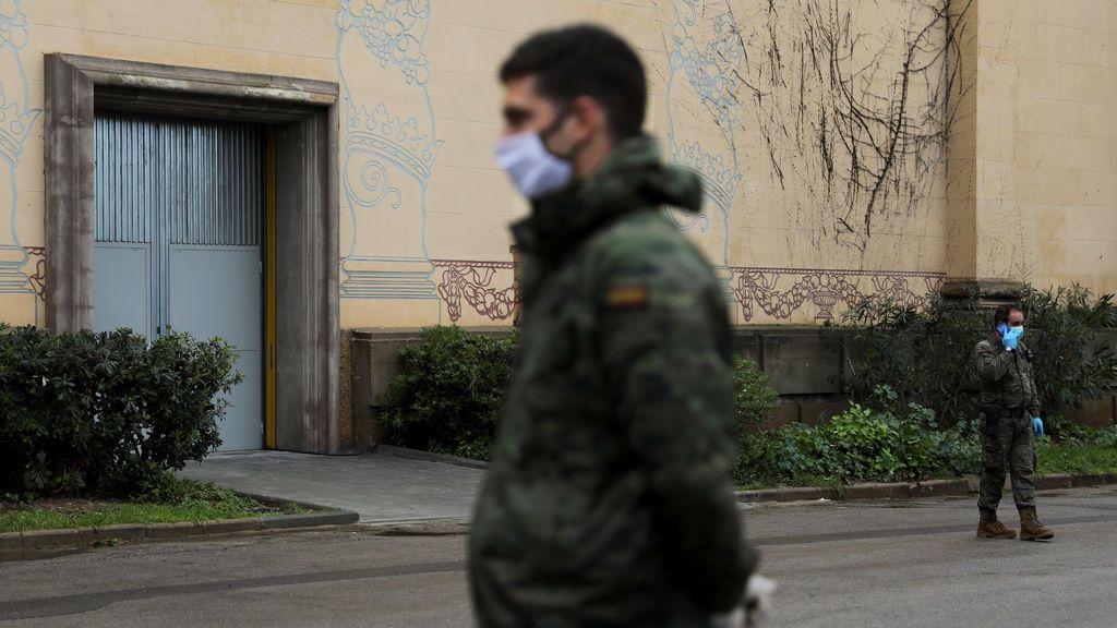 Más de 30 militares aislados en Camposoto tras el positivo por coronavirus de un sargento