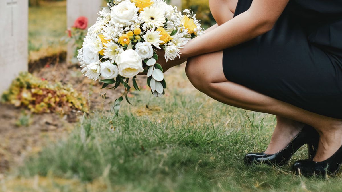 El duelo por la muerte de un ex: claves para superar la culpa y saber hablarlo con los hijos o la nueva pareja