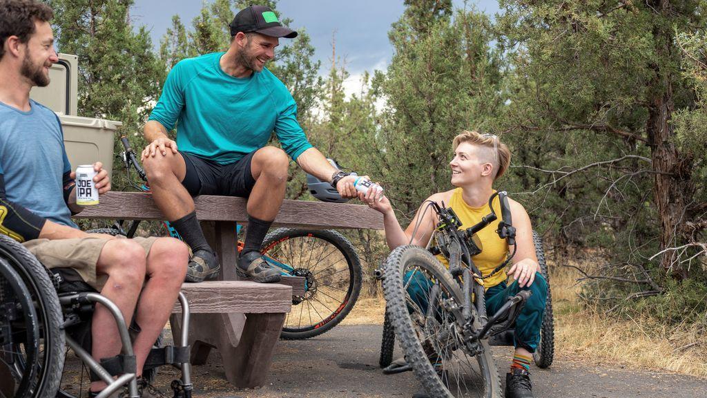 Amigas, rutas en bici y naturaleza: comparte aventuras y deporte al aire libre