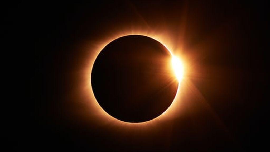 Cuenta atrás para el eclipse solar anular: hora y lugar para ver el anillo de fuego