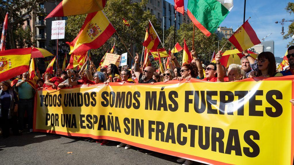 Piden cinco años de cárcel por una agresión racista a un vendedor de banderas españolas en Barcelona