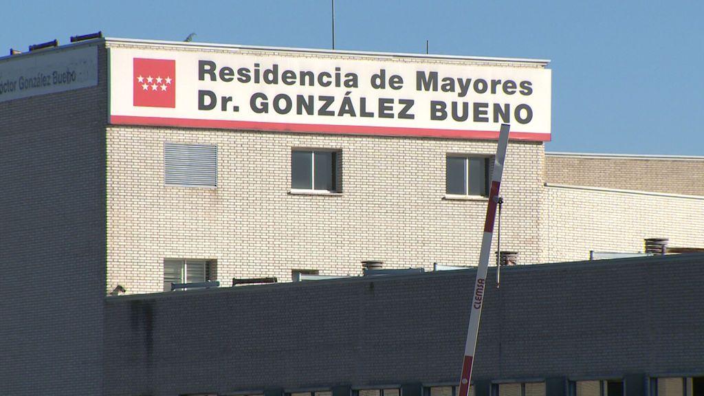 Última hora del coronavirus: Prohíben las visitas en la mayor residencia pública de Madrid tras detectar tres positivos por COVID