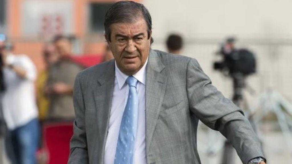 Presentan una querella criminal contra Álvarez-Cascos por presuntos delitos de apropiación indebida