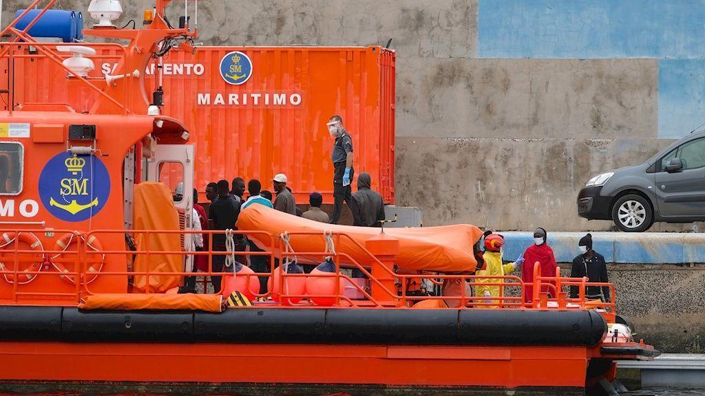 Más de 50 migrantes llegan a la costa almeriense a bordo de cuatro pateras