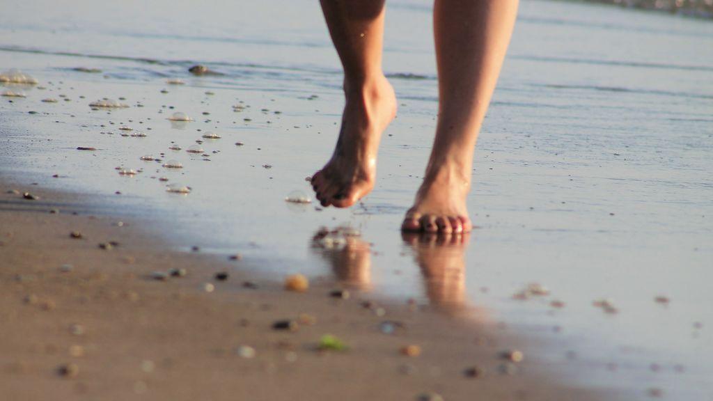 'Earthing': con los pies en la tierra o los beneficios de caminar descalzo