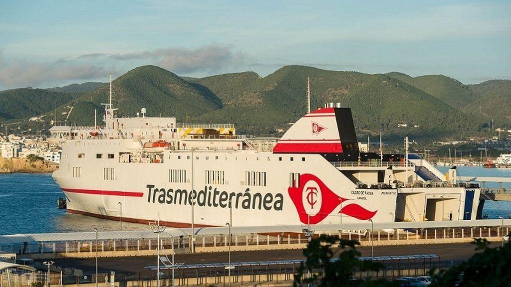 Muere un tripulante y heridos otros dos tras un accidente en labores de carga y descarga de un buque en Tenerife