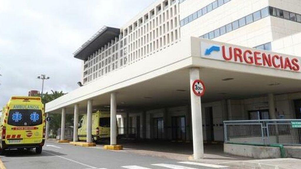 Un paciente del Hospital Insular deGran Canaria agrede a puñetazos una trabajadora de la limpieza