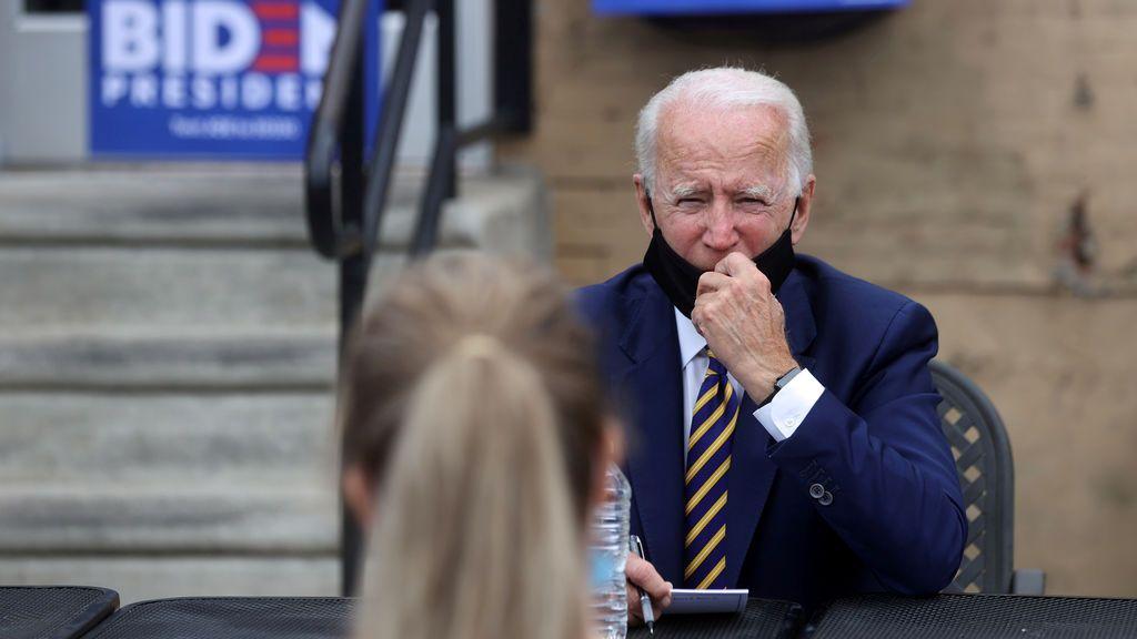 """Biden pide a Trump que acelere las pruebas después de que el presidente """"bromeara"""" con ralentizarlas"""