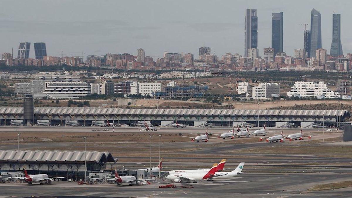 Los aeropuertos españoles comienzan a recibir a los primeros visitantes