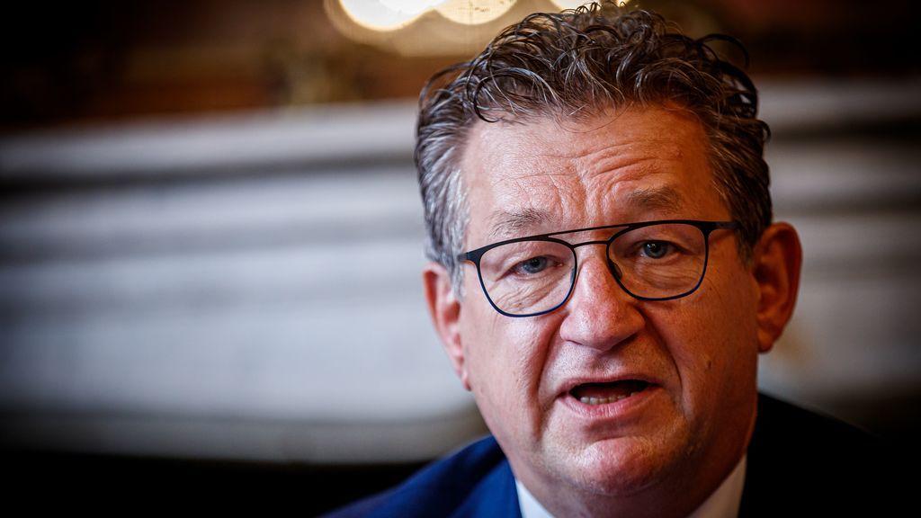 El alcalde de Brujas, Dirk De fauw