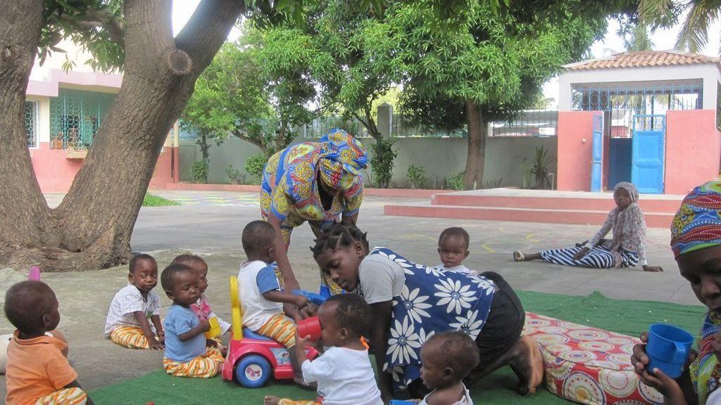 """La """"odisea"""" de una voluntaria valenciana: vuelve de Mozambique tras 6 días de viaje en avión, taxi y autobús"""