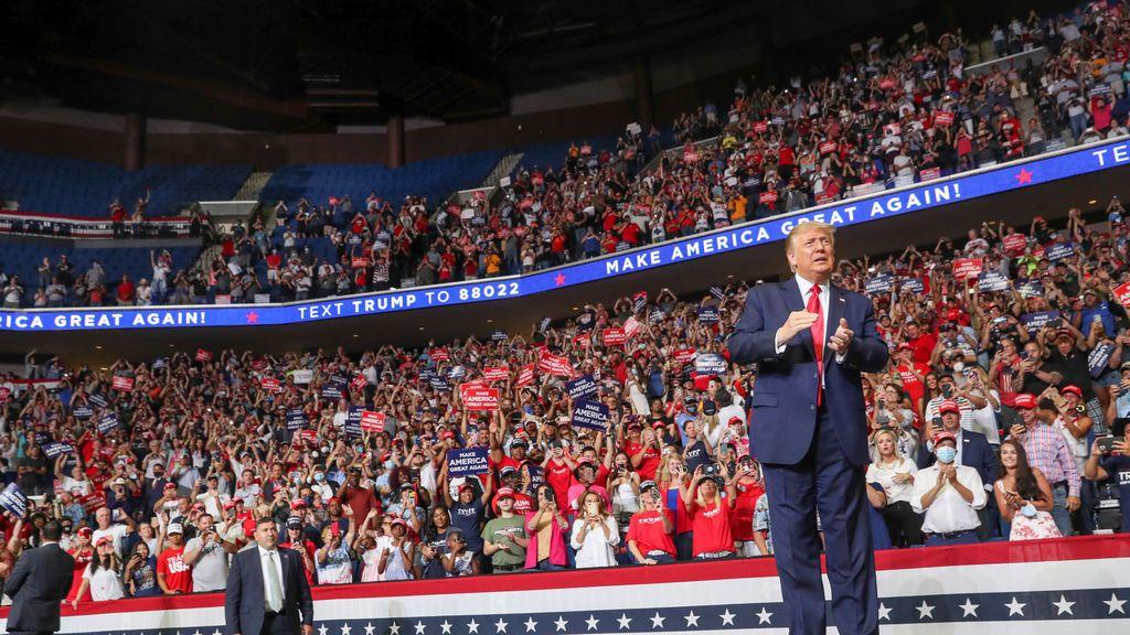 "Trump ""pincha"" en el primer mitin post coronavirus en Oklahoma"