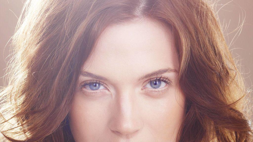Trucos de maquillaje para resaltar los ojos azules