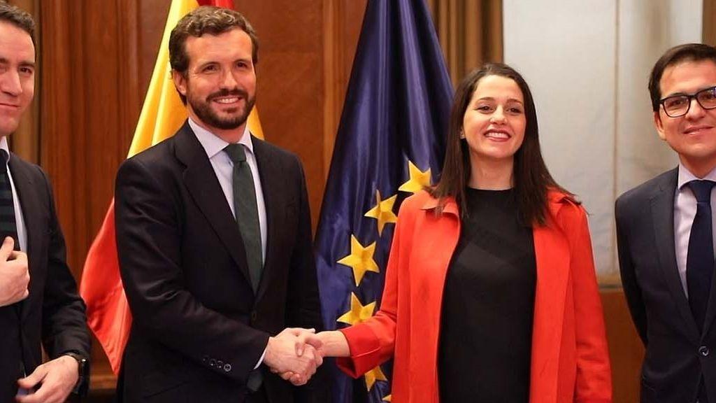 Casado y Arrimadas planean un mitin conjunto en Euskadi en vísperas al 12-J para reivindicar la alianza PP-Cs