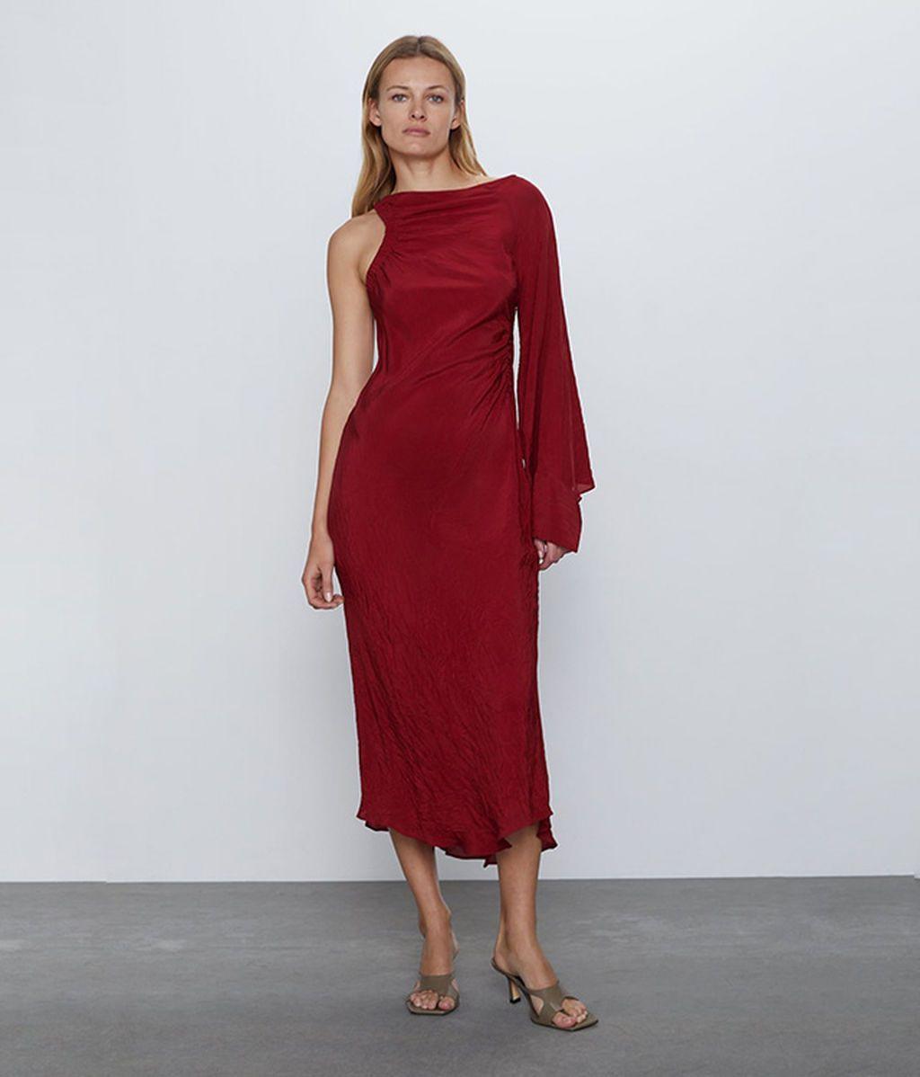 Vestido asimetrico de Zara