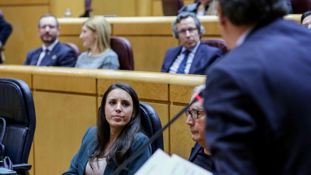 """Montero asegura que las protestas frente a su casa son """"acoso enmascarado"""" de la extrema derecha"""