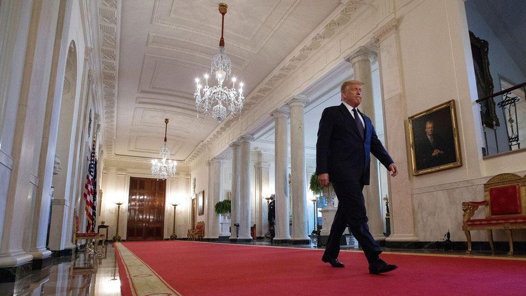 Trump congela los nuevos permisos de residencia y visados para algunos trabajadores extranjeros hasta 2021